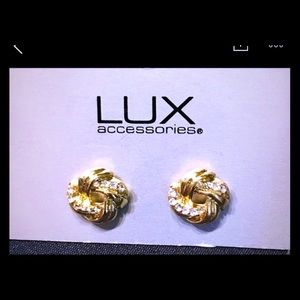 NWT Lux gold and white crystal earrings